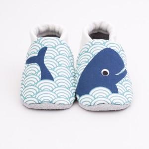 chaussons bébé baleine face