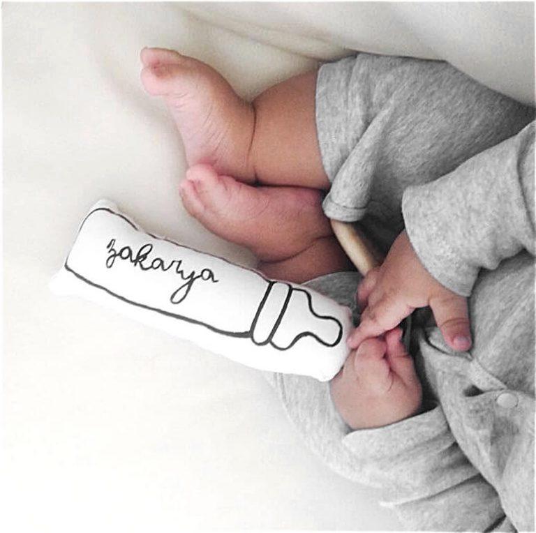 Doudou biberon personnalisé avec bébé